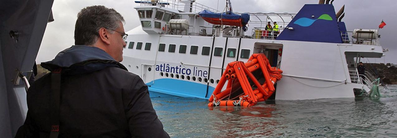 Governo dos Açores não prevê para breve remoção do ferry `Mestre Simão´