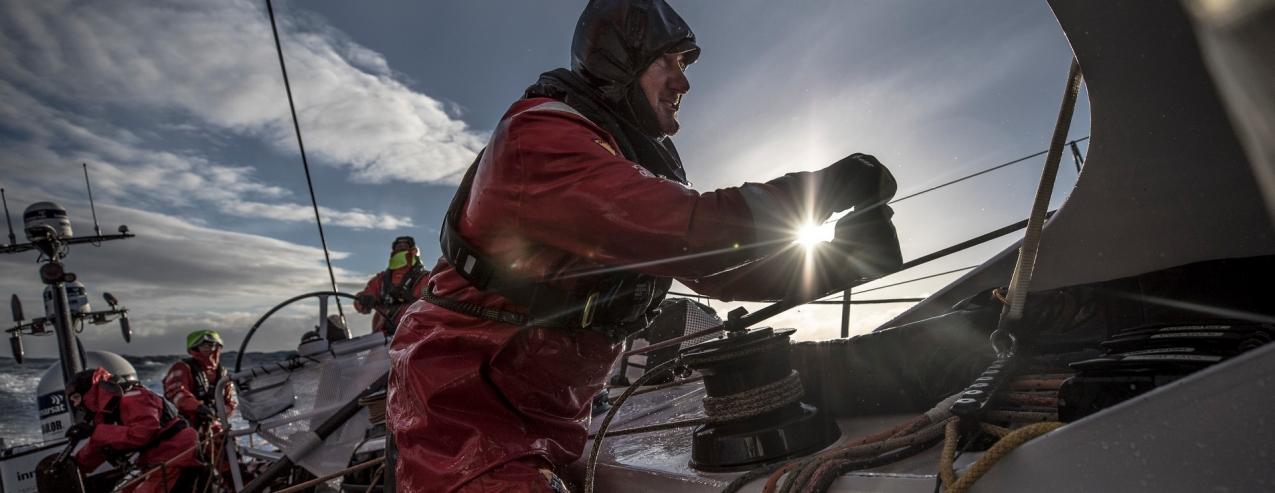 """Volvo Ocean Race // Hipóteses de encontrar velejador desaparecido com vida são """"diminutas"""""""