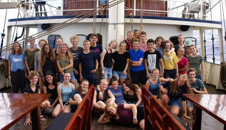 """Navio escola """"Thalassa"""" na marina da Horta (Vídeo)"""
