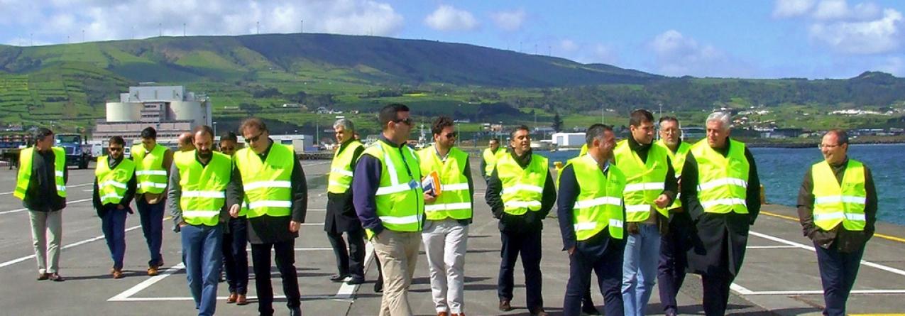 Deputados social democratas querem celeridade na potenciação do porto da Praia da Vitória
