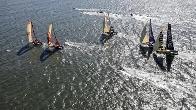 Volvo Ocean Race deixa Itajaí com destino a Newport