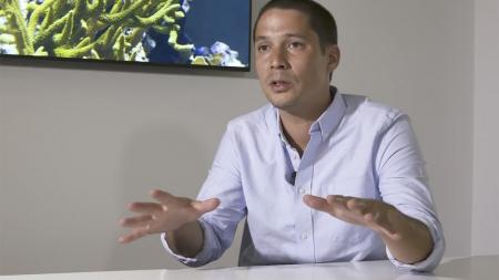 Lixo marinho: Entrevista a Christopher K. Pham (vídeo)