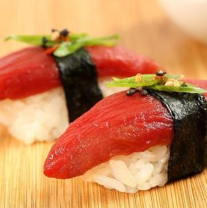 Médicos alertam para cuidados com consumo de peixe cru após caso de infeção parasitária