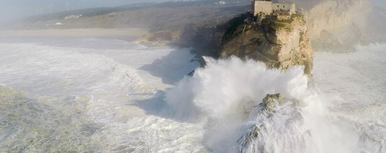Surf: Nazaré recebe prémio de maior onda do ano e ultrapassa o recorde de McNamara