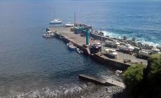 Governo dos Açores assegura transporte de 225 toneladas de bens e combustíveis à ilha do Corvo