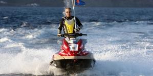 Piloto madeirense propõe-se atravessar o mar da Madeira até aos Açores