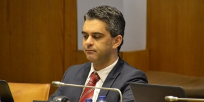 """PSD Açores pede ao governo regional """"dados concretos"""" sobre causas do acidente com o navio 'Mestre Simão' na Madalena"""