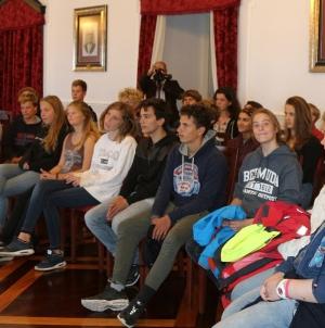 """Câmara Municipal da Horta recebe alunos do navio escola """"Thalassa"""""""