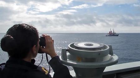 Marinha acompanha e vigia as atividades oceanográficas no mar dos Açores