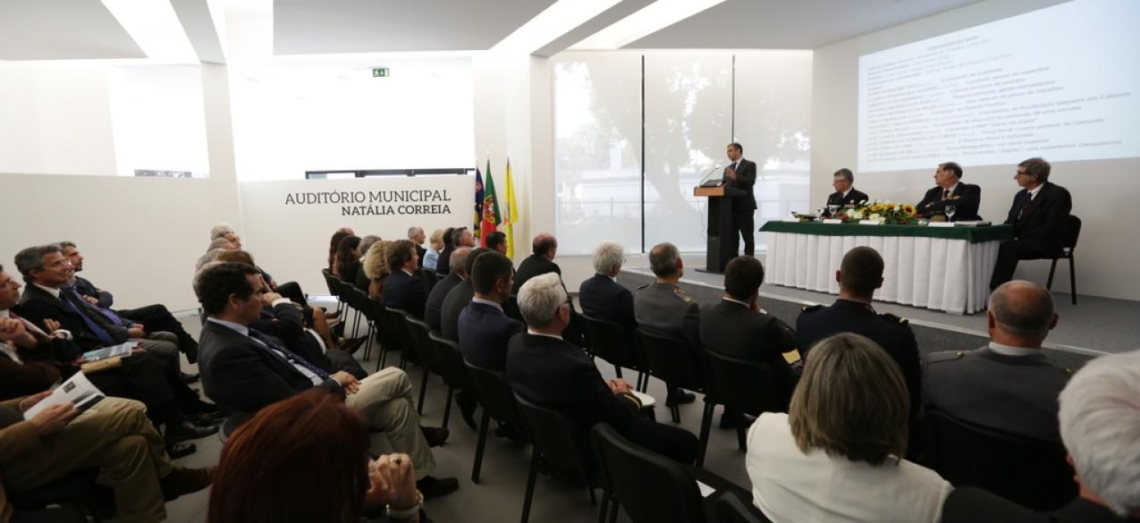 Câmara de Ponta Delgada presta homenagem aos homens do mar