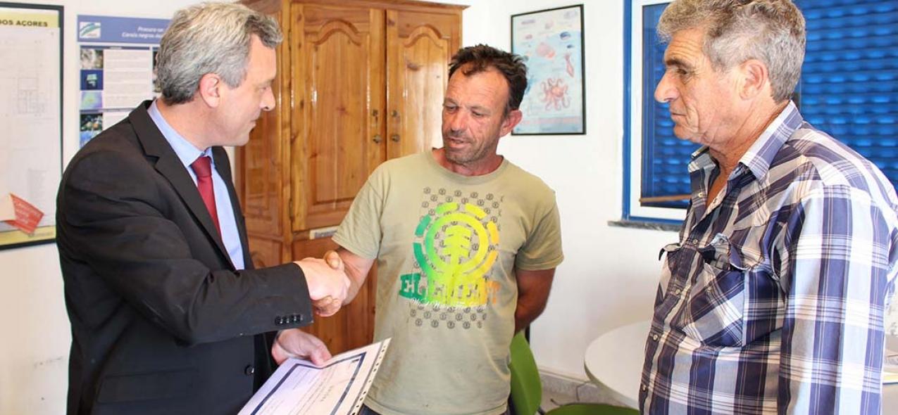 Governo dos Açores cria regime de apoio para parcerias entre cientistas e pescadores