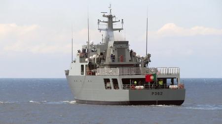 NRP Sines nos Açores para a sua primeira grande missão