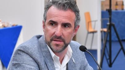 Covid-19 // Gualberto Rita pede medidas urgentes para fazer face a quebra de 83% no rendimento da pesca nos Açores