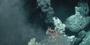 Chaminés hidrotermais descobertas no fundo do mar perto de Washington alertam para as desconhecidas profundezas dos oceanos