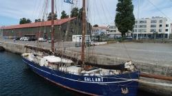 Veleiro De Gallant estreou-se em Leixões para embarcar vinho, azeite e outras iguarias nacionais